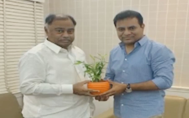 Paleru mla kandala upender reddy to join in trs party soon