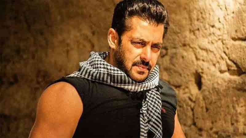 Salman khan to remake maharshi telugu movie